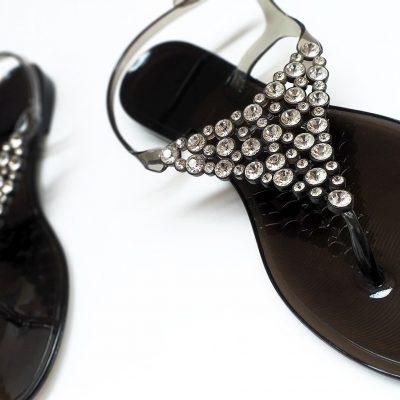 buy women flat sandals