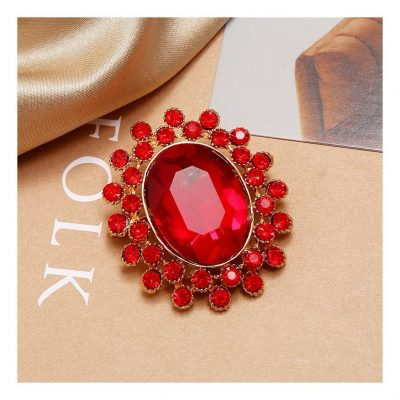 Women's brooch and pins in Nigeria