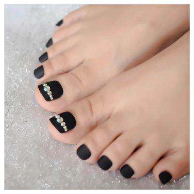 Black fake womens nails