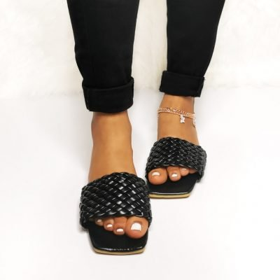 Flat womens slippers