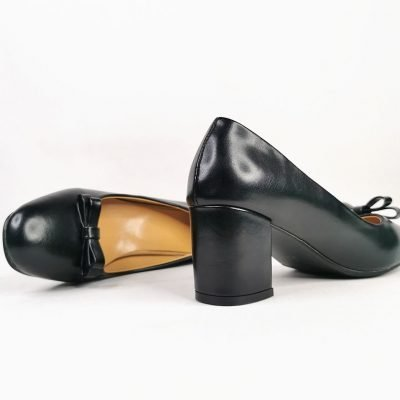Big feet womens block heel work shoe